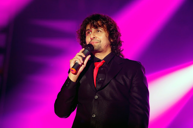Sonu Nigam controvery gets ugly: Man stabbed with knife for a comment on Facebook