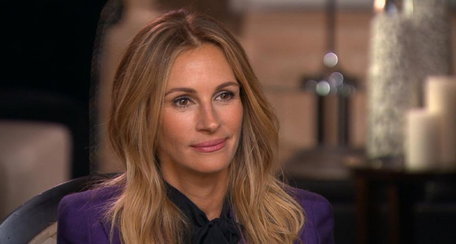 Shade Queen: Julia Roberts Claps Back at Comment Calling her Nail Paint 'Ugly'