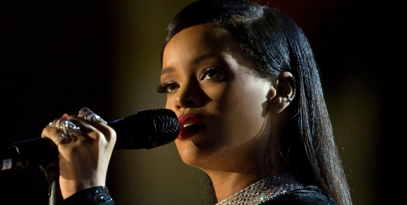 Rihanna Declined Super Bowl Show in Support of Colin Kaepernick