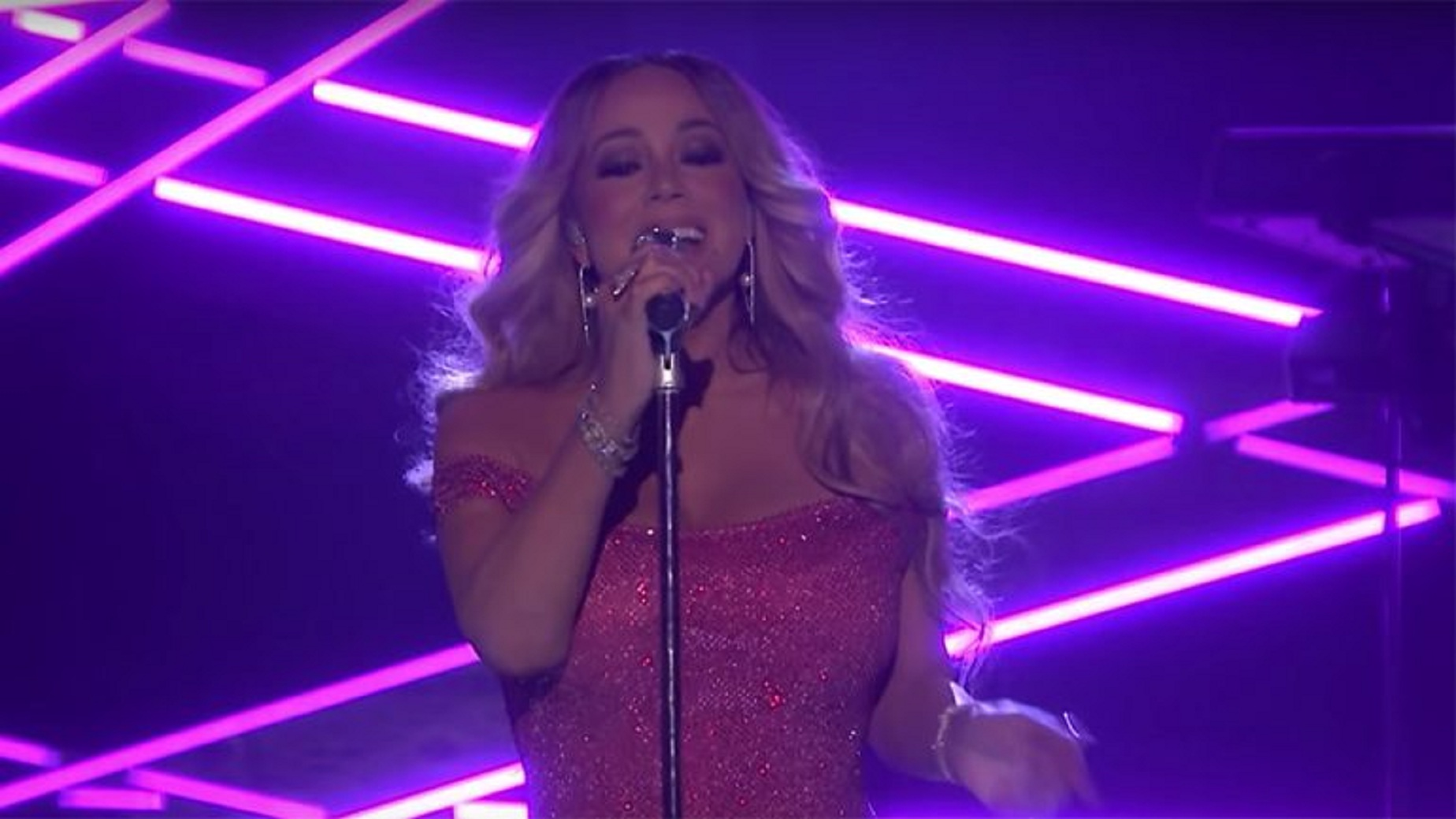 Watch: Mariah Carey Performs 'The Distance' on 'The Tonight Show'