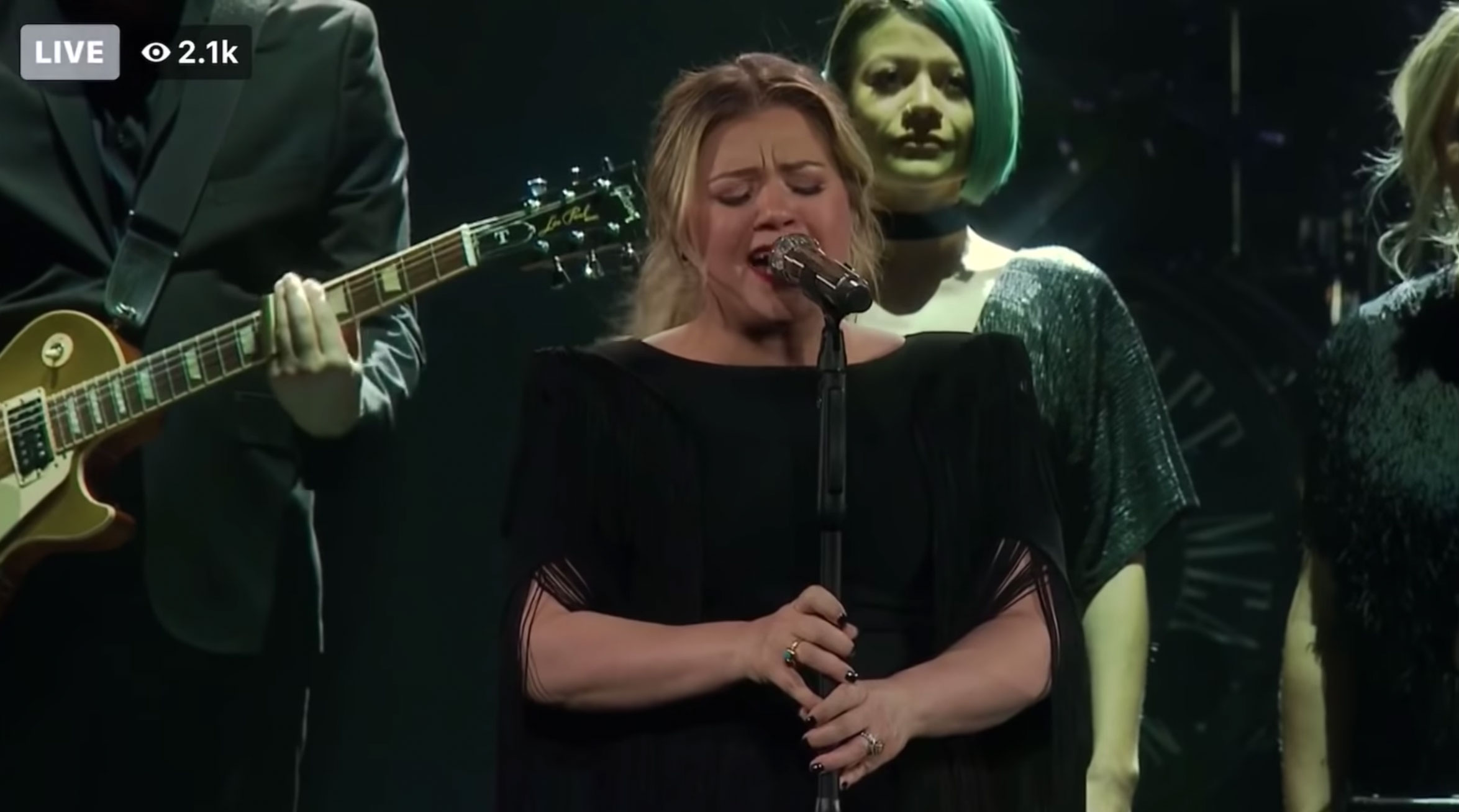 Watch: Kelly Clarkson Soars With her Stellar Rendition of Lady Gaga's 'Shallow'